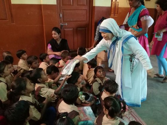 Czech Children put together 5,500 Kids-to-Kids packs for Sisters of Mother Teresa in India